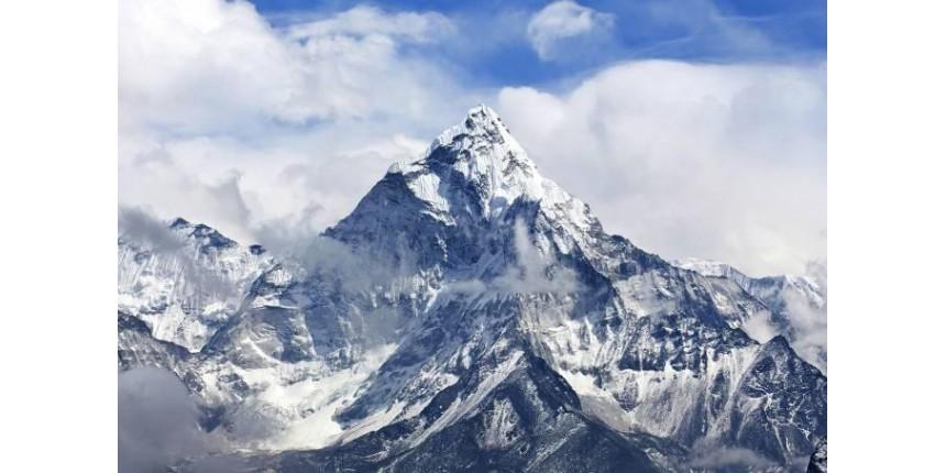 O Everest encolheu? Expedição indiana vai conferir