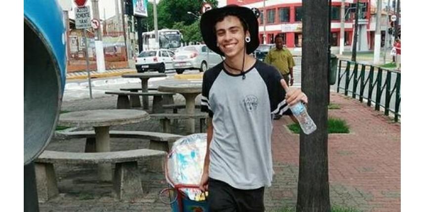 Jovem que vende geladinho para estudar é aprovado na USP