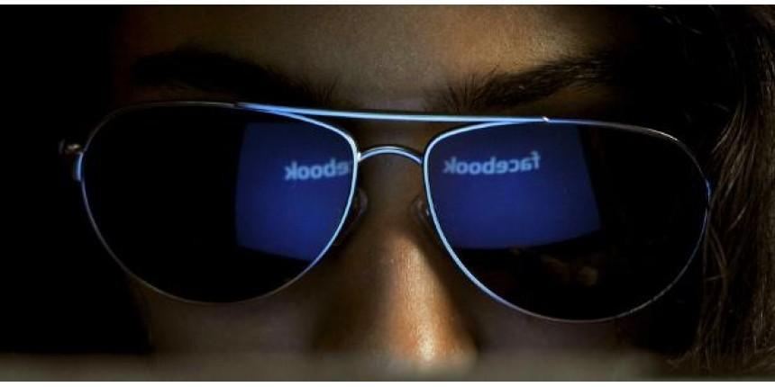 Stalkers por todo lado: um quarto das pessoas já invadiu Facebook alheio