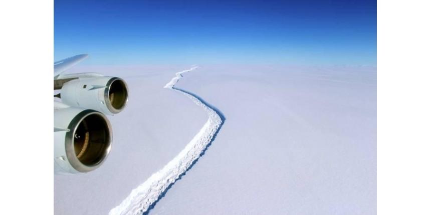 Fenda gigantesca na Antártica cresceu 28 quilômetros em 2 meses
