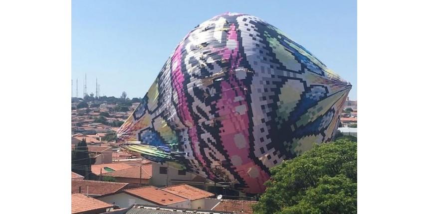 IRRESPONSABILIDADE! Grupo é detido após queda de balão sobre 6 residências