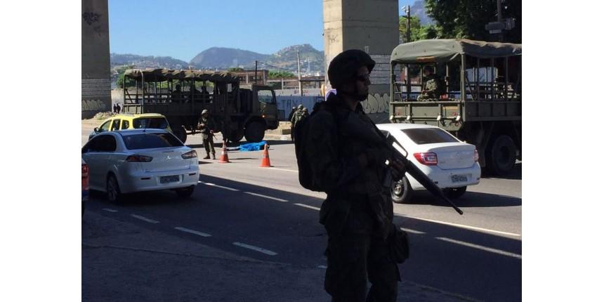 Homem morre em tiroteio com fuzileiros navais na Região Portuária do Rio