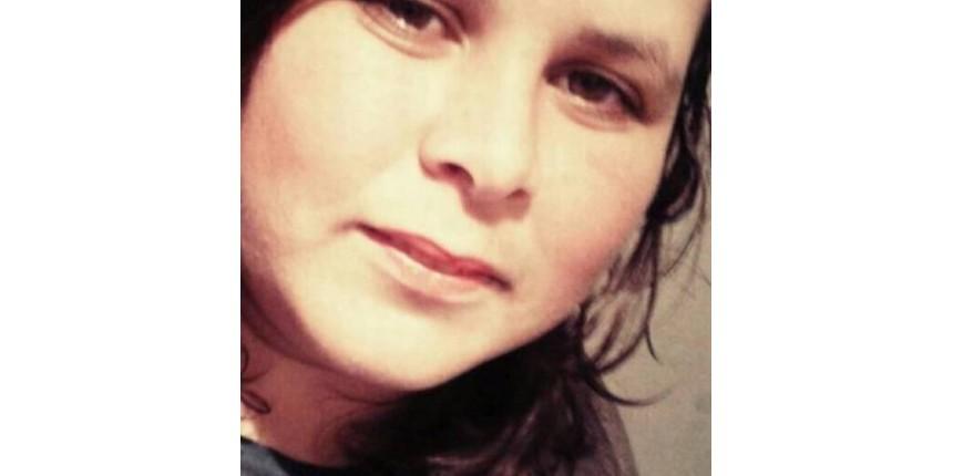 Mulher morre após médicos esquecerem gaze em seu abdome