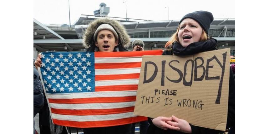 Tribunal dos EUA mantém suspensão de decreto anti-imigração