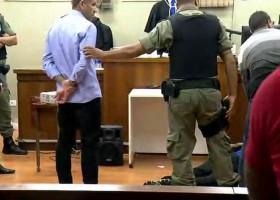 Corintiano desmaia ao ouvir que pegou 16 anos de cadeia por morte...