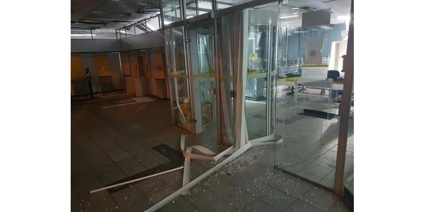 Ladrões explodem cofre de agência bancária em Pedrinhas Paulista