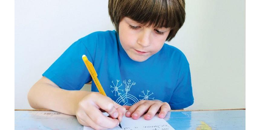O menino que escreve ao mundo