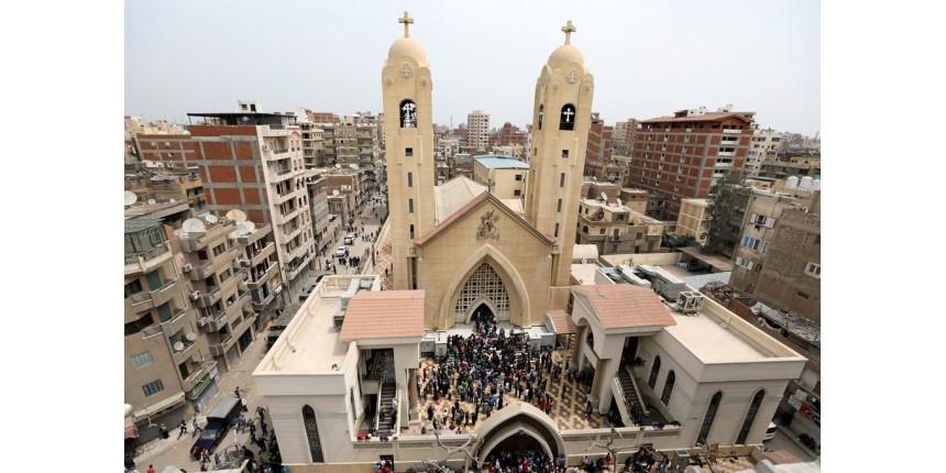 A poucos dias de visita do Papa, Egito tem ataques à igrejas cristãs
