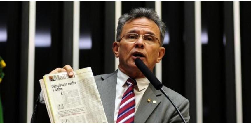 Ex-deputado ironiza adversários antes de descobrir que também está na lista de Fachin