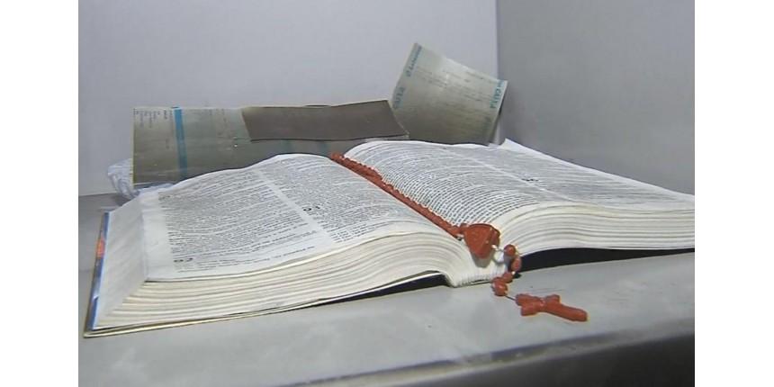 Gerente afirma ter encontrado bíblia e terço intactos em loja destruída por incêndio em Marília