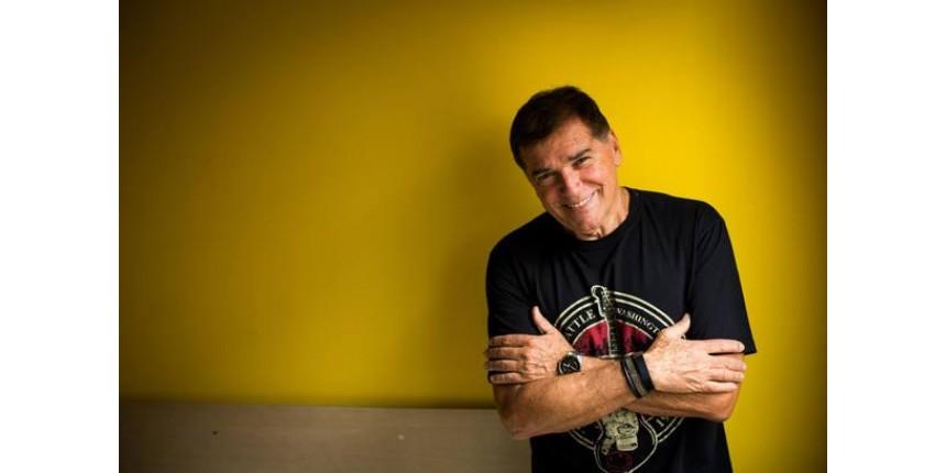 Internado desde março, Jerry Adriani anuncia que está com câncer