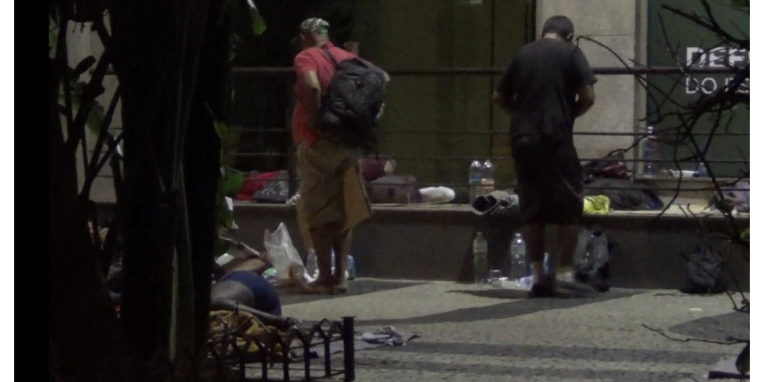 Número de moradores de rua com curso superior cresce 75%