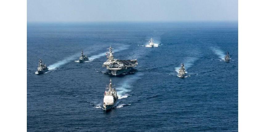 Porta-aviões dos EUA e sua frota seguem para península coreana