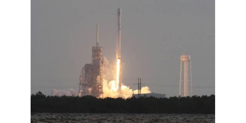SpaceX lança satélite espião para o governo dos EUA