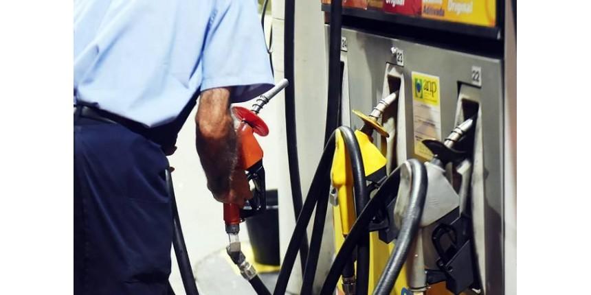 Dia sem impostos tem gasolina a R$ 2,14 e carro por R$ 37 mil
