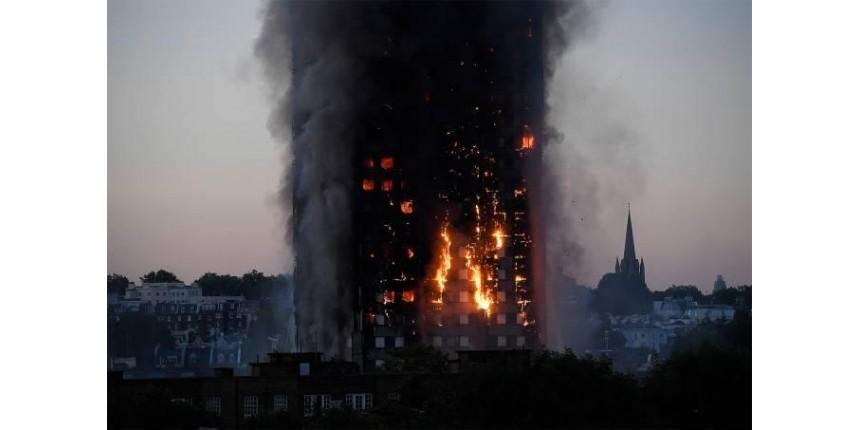 Incêndio em Londres: adultos jogaram crianças pelas janelas