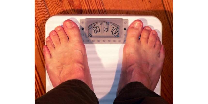 Mais de 2 bilhões de pessoas têm sobrepeso ou obesidade, aponta estudo