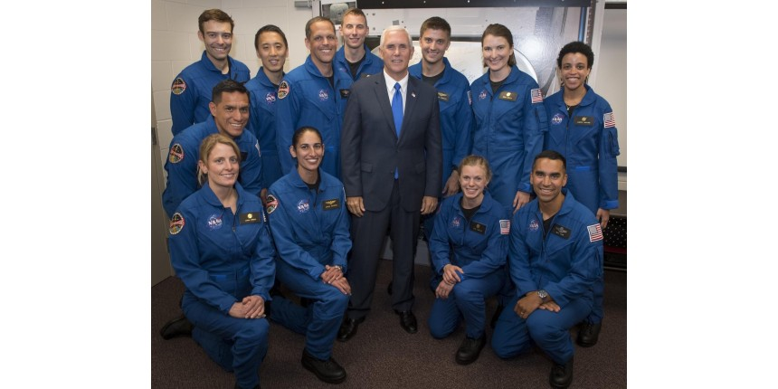 Nasa escolhe 12 novos astronautas para turma de 2017: 7 homens e 5 mulheres