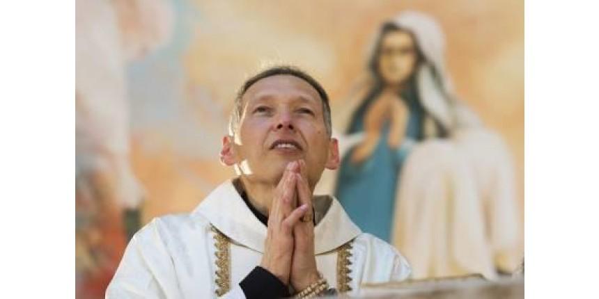 Padre Marcelo vence a depressão e se reinventa: 'Voltei ao ataque'