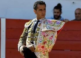 Toureiro espanhol Iván Fandiño morre com chifrada