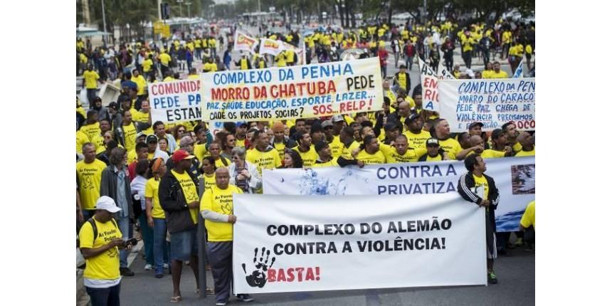 3 mortes e 1 bebê tetraplégico: favelas do Rio fazem ato por paz