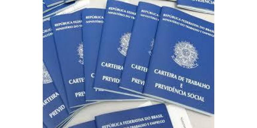 Brasil cria quase 10 mil vagas de empregos formais em junho