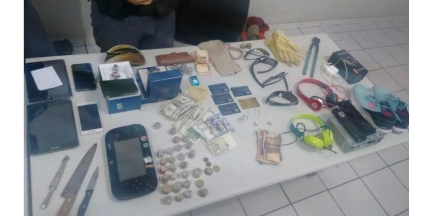 Família é feita refém por quadrilha durante assalto em condomínio de Marília