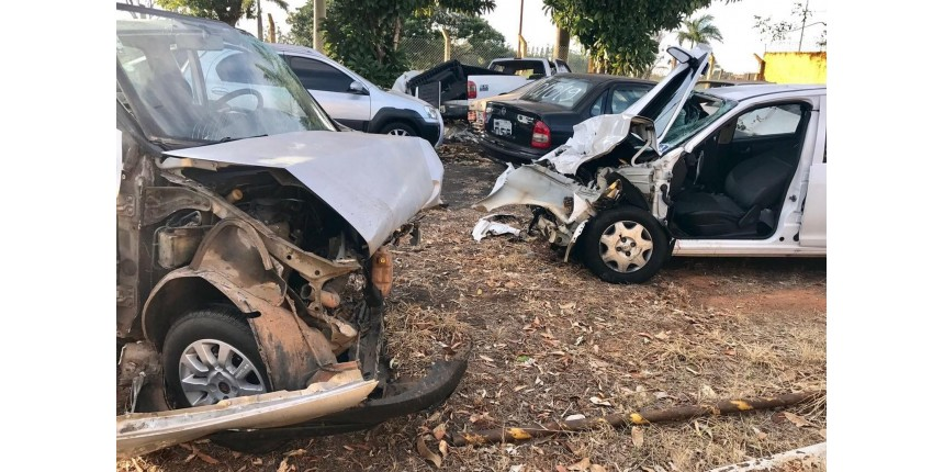 Grávida e mulher de 53 anos morrem após batida frontal na rodovia