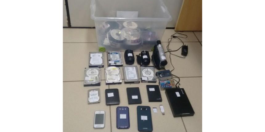 Operação PF prende porteiro suspeito de armazenar material com pornografia infantil