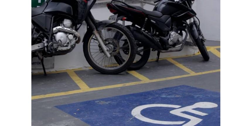 Estacionar em vagas para deficientes físicos ou idosos em locais privados dará multa