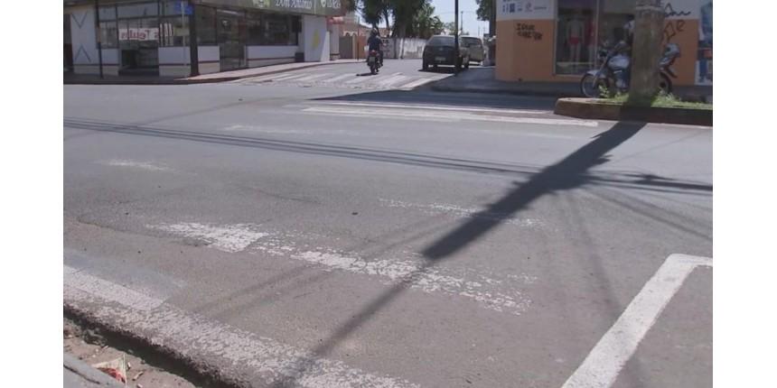 Idosa morre atropelada em faixa de pedestre de avenida