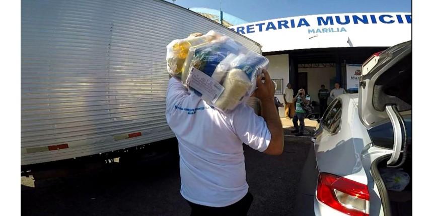 Moradores de Marília ajudam famílias que tiveram casas destruídas durante temporal