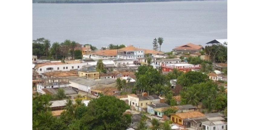 Navio com cerca de 70 pessoas naufraga no Rio Xingu, no Pará