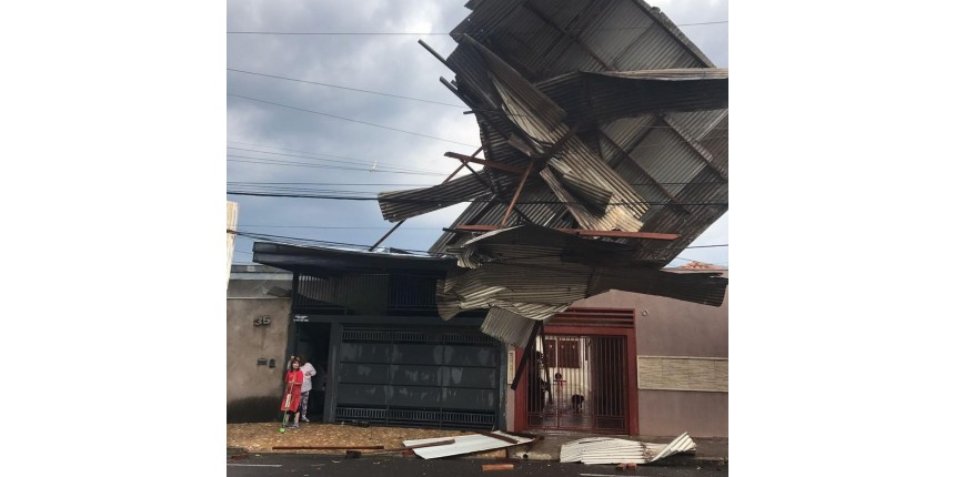 Temporal provoca estragos em diversas regiões de Marília