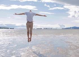 Bailarino filho de sem-terra volta após curso no Canadá: 'Quero aprender mais'