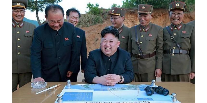 Seul treina time para decapitar ditador vizinho