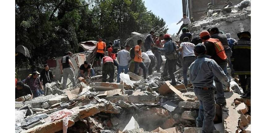 Terremoto de 7,1 graus abala a Cidade do México