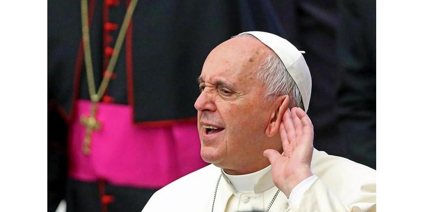 "Tradicionalistas acusam publicamente o Papa Francisco de ""propagar heresias"""