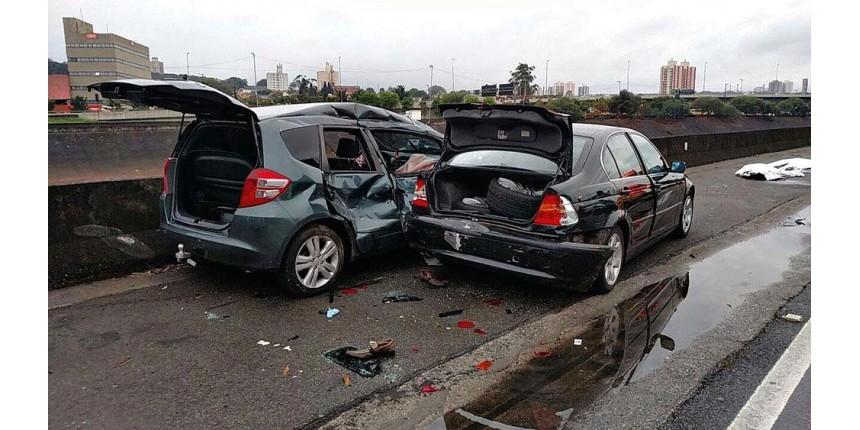Celular ao volante é uma das infrações que mais crescem
