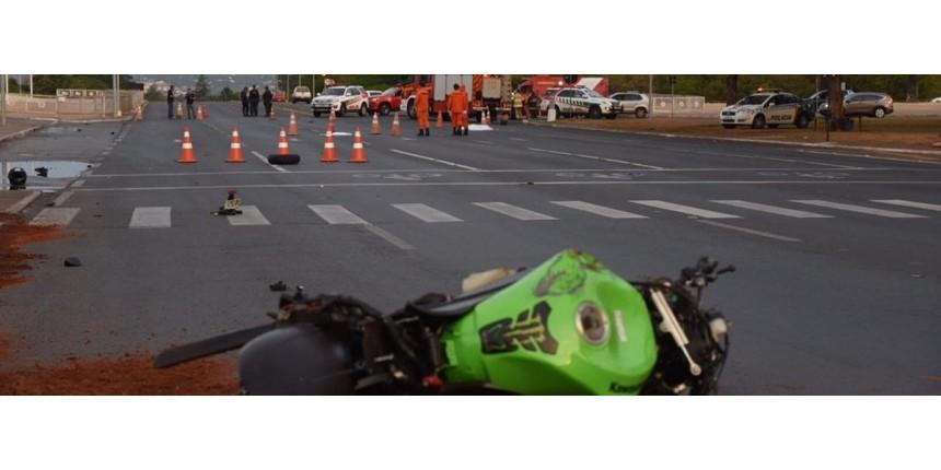 Motociclista mata mulher e morre em frente ao Palácio do Planalto
