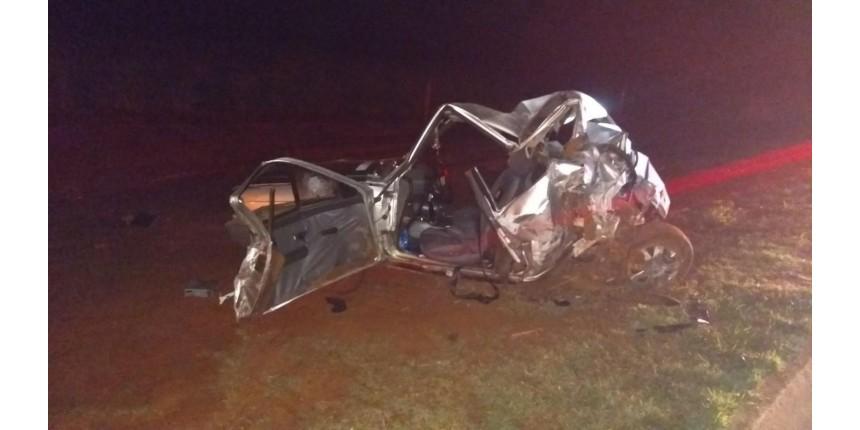 Motorista morre e passageiros ficam feridos em acidente em rodovia