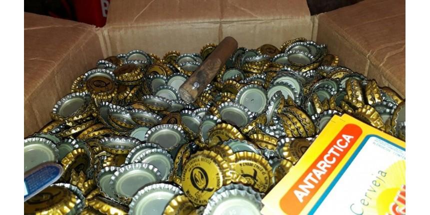 Polícia descobre fábrica de falsificação de rótulos de cerveja
