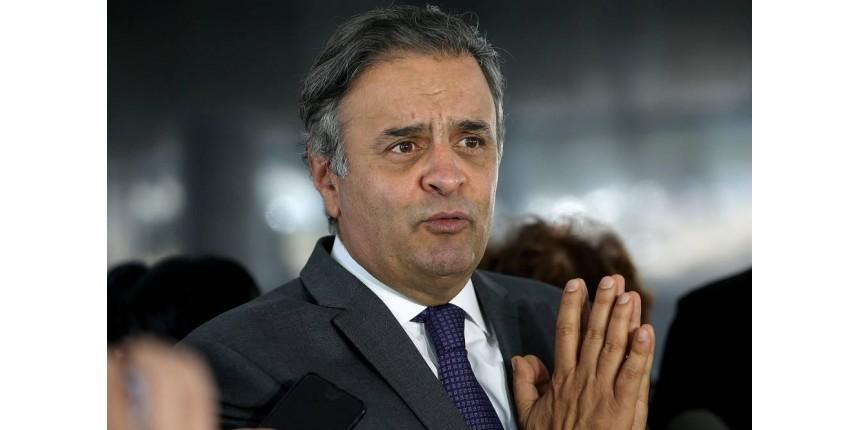 Senado revê decisão do STF e devolve mandato a Aécio Neves