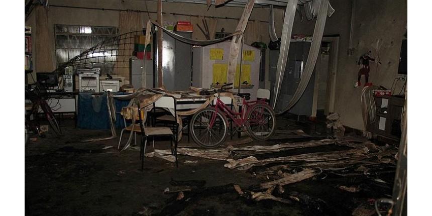 Sobe para 6 número de crianças mortas após vigia atear fogo em creche; professora também morre