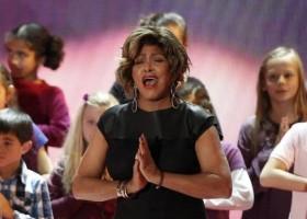 Tina Turner fala sobre separação de Ike Turner: 'Eu era abusada constantemente'