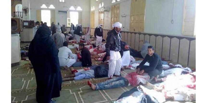 Atentado em mesquita no Egito deixa pelo menos 184 mortos e 120 feridos