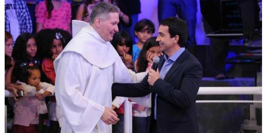 """""""Fábio de Melo faz show, eu sou sacerdote"""", diz Marcelo Rossi"""