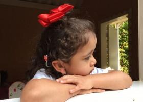 Menina surda desenvolve a fala após implante: 'Cada novo som é uma...