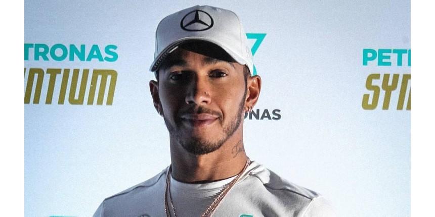 'Quem me critica não sabe minha origem', afirma Lewis Hamilton