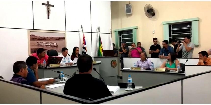 Câmara aprova comissão para investigar vereador suspeito de estupros